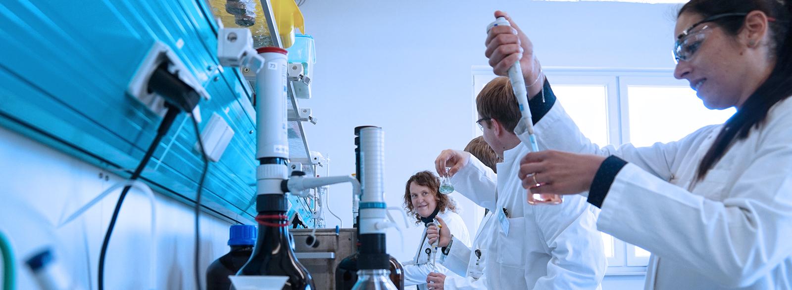 Career at DSI-pharm - Laboratory for Pharmaceutical Analysis
