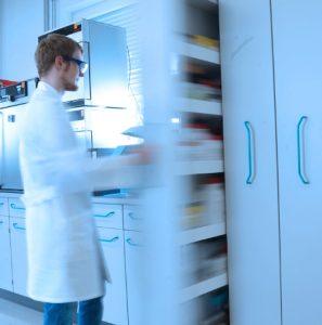 Freigabeprüfung und EU-Retest bei DSI-pharm, Labor für pharmazeutische Analysen